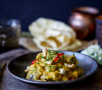 Creamy Beef & Cashew Korma Curry with Aromatic Pilaf Rice & Poppadums